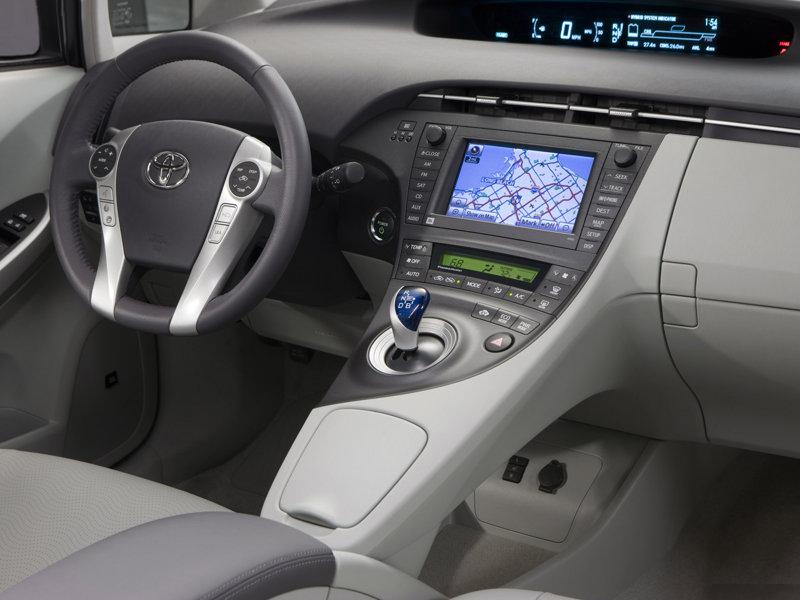 Фото Toyota Prius.